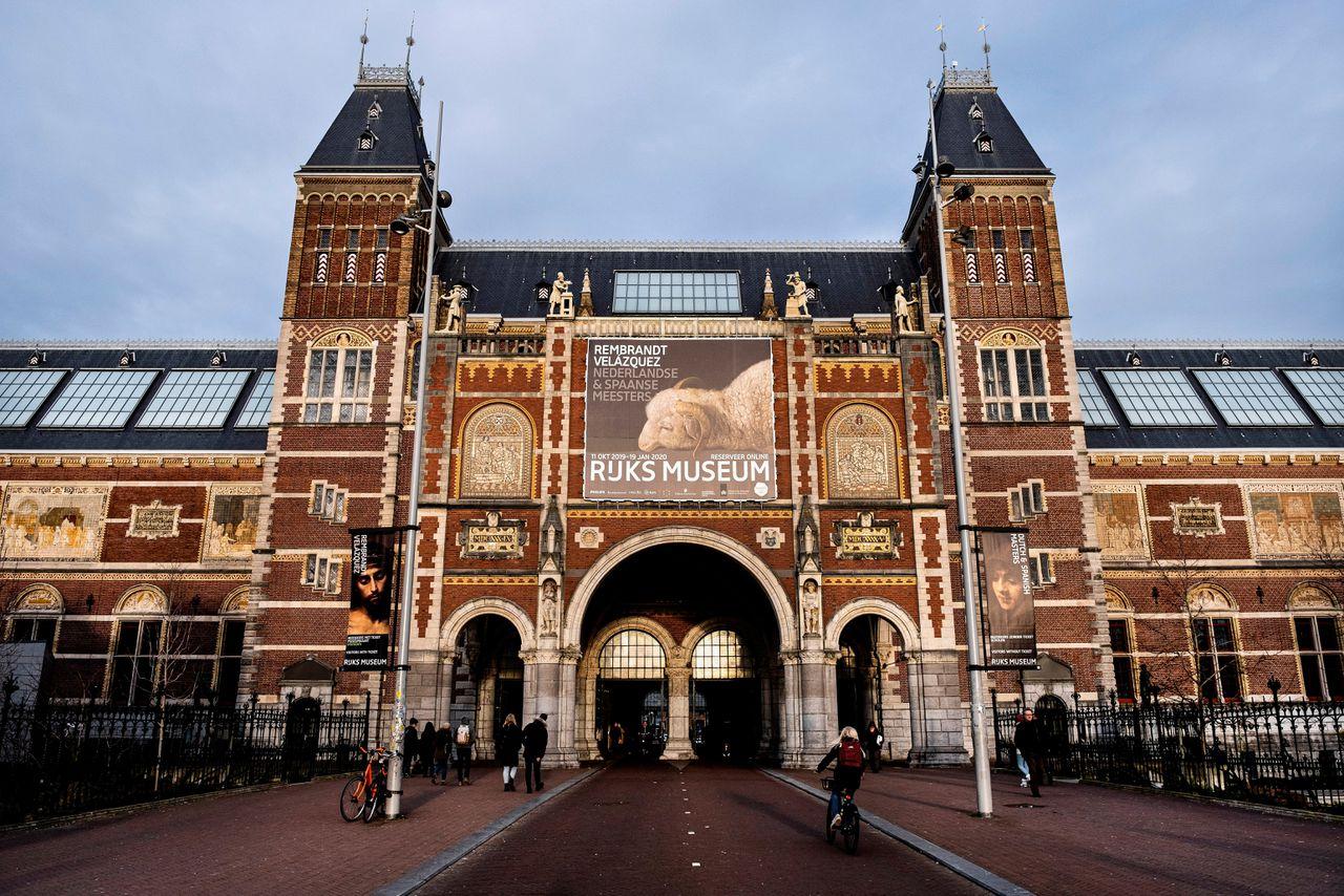 Het Rijksmuseum doneert voorraad gezichtsmaskers aan ziekenhuizen - NRC