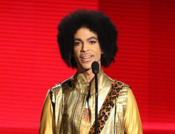 Prince op archiefbeeld uit 2015 tijdens de American Music Awards in Los Angeles.