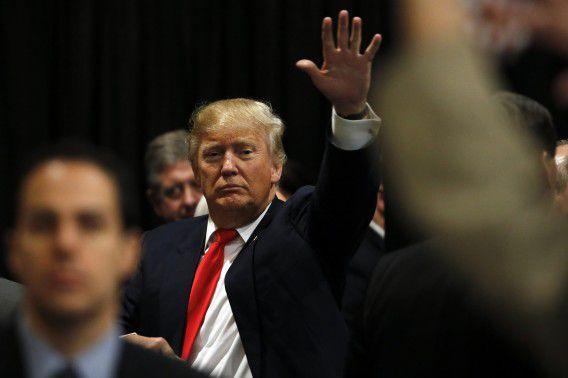 Republikeinse presidentskandidaat Donald Trump tijdens een campagnebijeenkomst in North Charleston, 19 februari 2016.