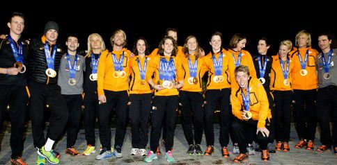 Nederlandse medaillewinnaars op de foto.