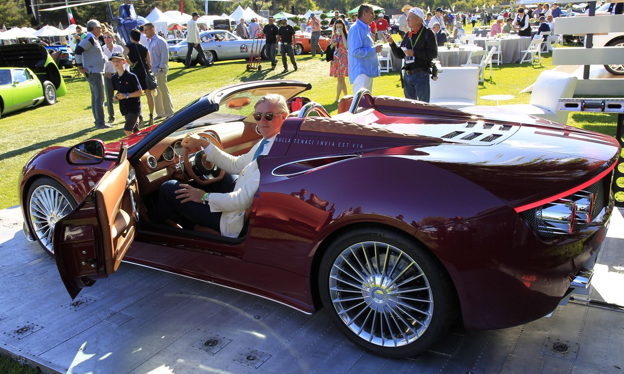 CARMEL - Spyker-topman Victor Muller tijdens de onthulling van de nieuwe Spyker B6 Venator tijdens The Quail, onderdeel van de autoshow in Pebble Beach, in het Amerikaanse Carmel. ANP MICHAEL FIALA