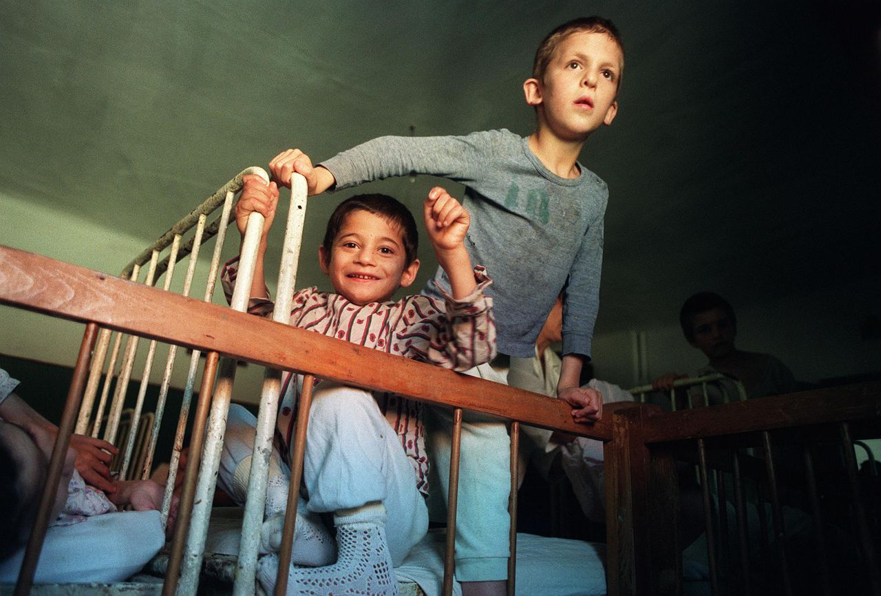 Abandoned Romanian children get ready for bed at the Buchea orphanage in Buchea, near Vulturesti, 150kms from Bucharest, 08 October 1990. There are some 130,000 orphans all over Romania, whose dreadful conditions have not changed much after the fall of the Ceausescu regime.
