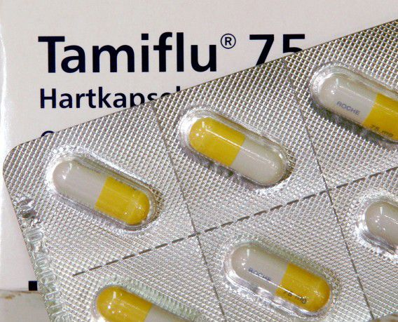 *** FILE *** Tamiflu pills in Frankfurt, central Germany, Wednesday, March 15, 2006. The World Health Organization has for the first time asked the maker of the anti-bird flu drug Tamiflu to ready the global stockpile after human-to-human transmission was suspected in a family cluster in Indonesia, a WHO official said Saturday May 27, 2007. (AP Photo/Michael Probst)