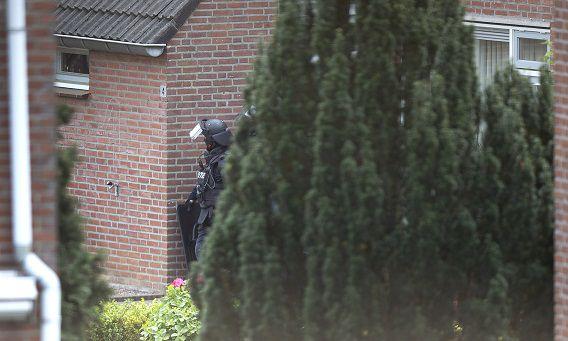 Een arrestatieteam kwam afgelopen week in actie in Herten, Limburg, waar een man een kind gijzelde.