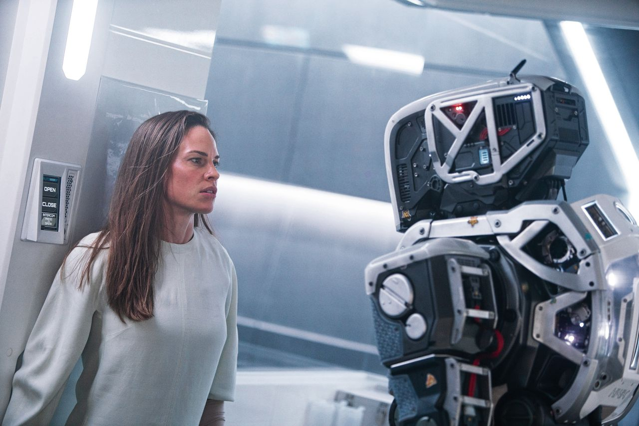 Hilary Swank als Woman in de sciencefictionthriller I Am Mother.