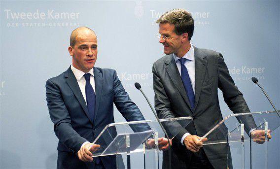 Partijleiders Mark Rutte (VVD) en Diederik Samsom (PvdA) tijdens de presentatie van het deelakkoord begin deze maand. Foto ANP / Robin Utrecht