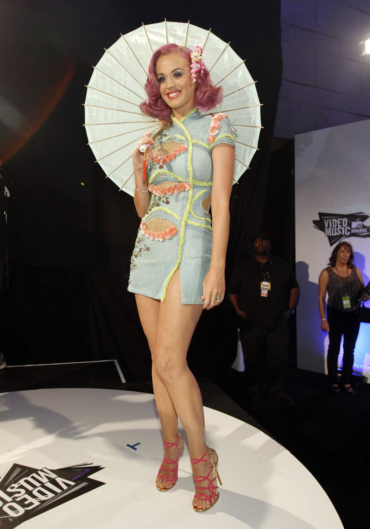Singer Katy Perry arrives at the 2011 MTV Video Music Awards in Los Angeles, August 28, 2011. REUTERS/Mario Anzuoni (UNITED STATES - Tags: ENTERTAINMENT SOCIETY) (MTV-ARRIVALS)