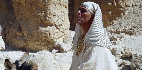 Eerste aflevering van de gedramatiseerde documentaire Egypte over de geschiedenis van de Egyptische archeologie behandelt de ontdekking van het graf in 1922 van de onbelangrijkle farao Toetanchamon. België 2 (Canvas), 21.25-22.25u.