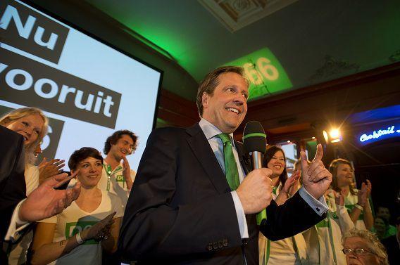 D66-leider Alexander Pechtold houdt een toespraak op het landelijke verkiezingsfeest van D66 in Utrecht tijdens uitslagenavond van de gemeenteraadsverkiezingen.