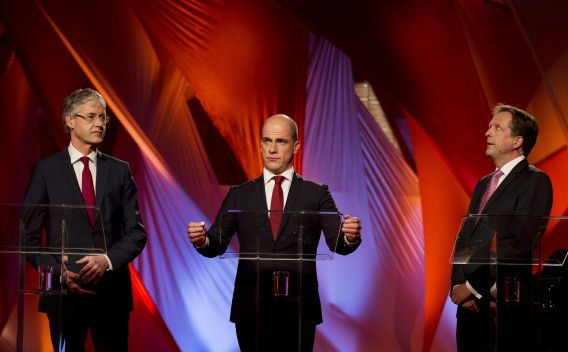 V.l.n.r. Arie Slob (CU), Diederik Samsom (PvdA) en Alexander Pechtold (D66) bij het EenVandaagdebat op de Erasmus Universiteit in Rotterdam.