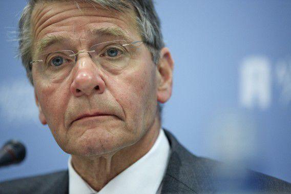 Vice-president Piet Hein Donner van de Raad van State tijdens de presentatie van het jaarverslag van de raad over 2012 in Nieuwspoort.