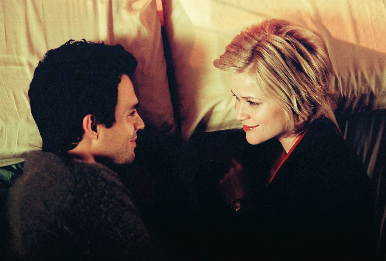 David (MARK RUFFALO) and Elizabeth (REESE WITHERSPOON) share an intimate moment even though they exist in two different worlds in DreamWorks Pictures? romantic comedy JUST LIKE HEAVEN, directed by Mark Waters.