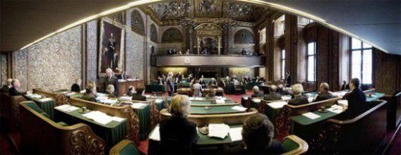 De Eerste Kamer zou volgens het voorstel terug moeten naar vijftig leden, de Tweede Kamer naar honderd leden. Dat gaat nu niet door. Foto NRC / Roel Rozenburg