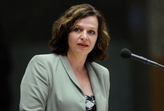 Minister Schippers wil nog geen fotowaarschuwingen op pakjes sigaretten plaatsen.