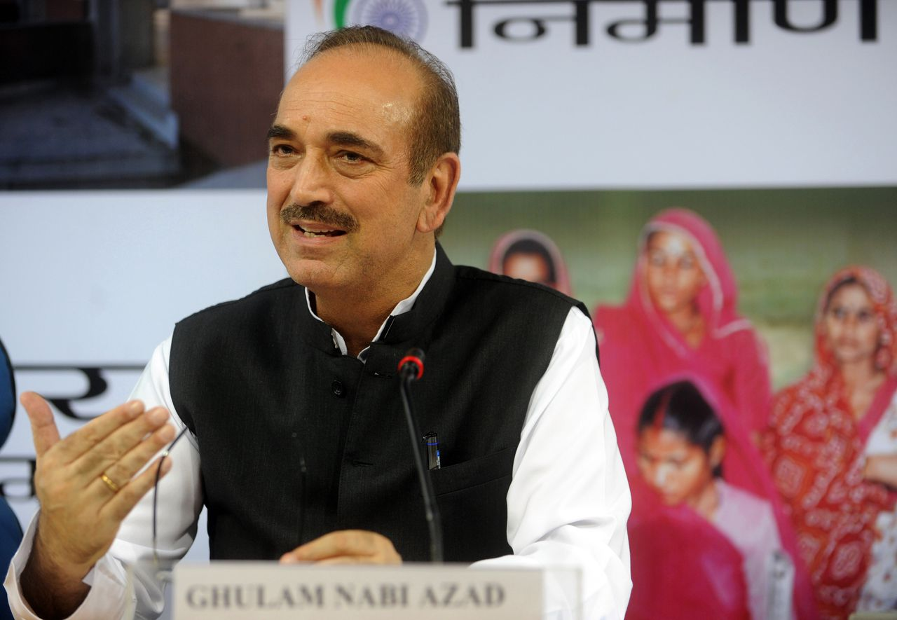 """(FILES) This September 17, 2009 file photo shows Indian Health Minister Ghulam Nabi Azad speaking at a press conference in New Delhi. On July 5, 2011 Indian gay rights activists voiced shock and outrage over public comments by the health minister who said that homosexuality was a """"disease"""" brought to the country by foreigners. Speaking at a national meeting on July 4 of district and mayoral leaders on HIV/AIDS prevention, the minister, Ghulam Nabi Azad, stated that homosexuality was """"unnatural and not good for India."""" AFP PHOTO/RAVEENDRAN"""