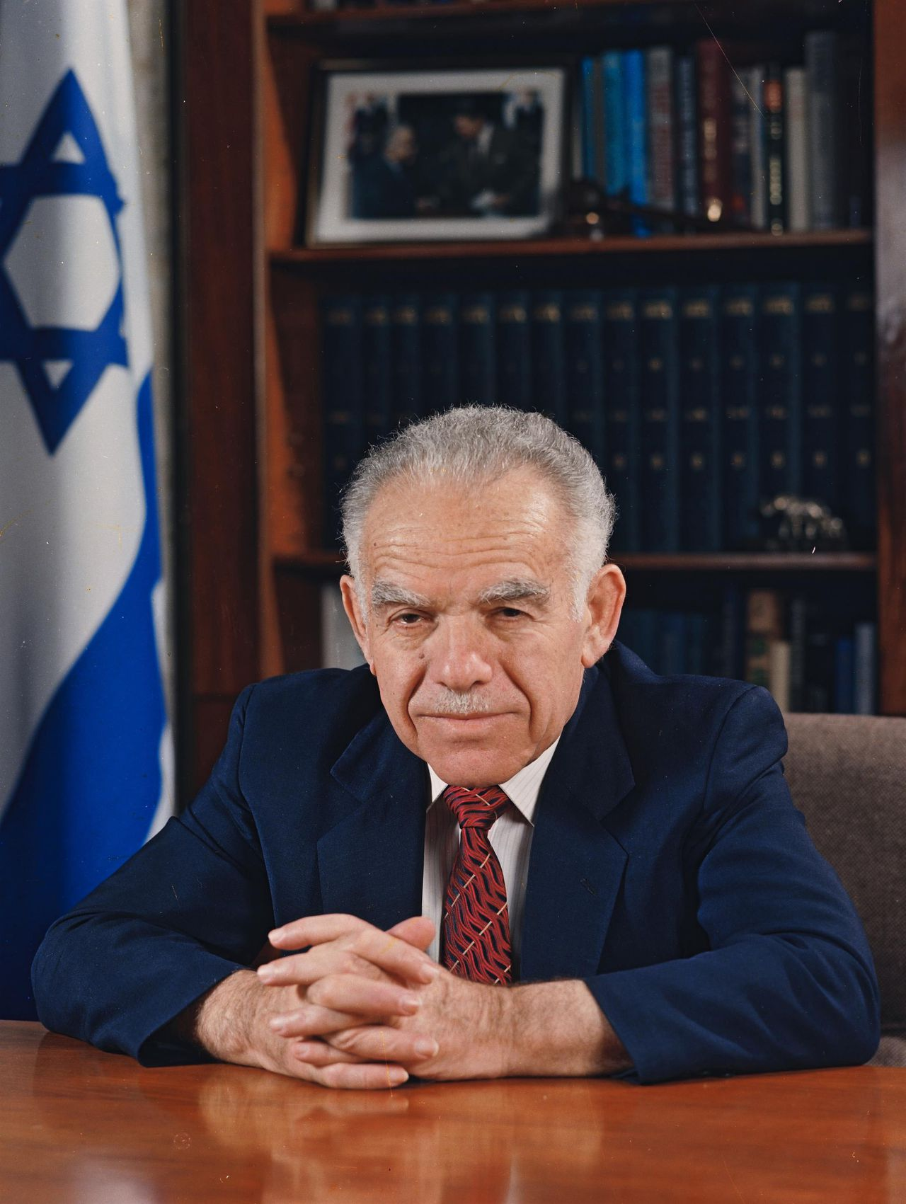 Israel's Prime Minister Yitzhak Shamir poses for a portrait in Jerusalem in this September 30, 1988 handout photo obtained by Reuters from the Israeli Government Press Office (GPO) on July 1, 2012. Shamir, the hawkish Israeli leader who two decades ago first balked at U.S. calls to trade occupied land for Middle East peace, died on Saturday after a long illness. He was 96. REUTERS/Yaacov Saar/GPO/Handout (JERUSALEM - Tags: POLITICS OBITUARY) FOR EDITORIAL USE ONLY. NOT FOR SALE FOR MARKETING OR ADVERTISING CAMPAIGNS. THIS IMAGE HAS BEEN SUPPLIED BY A THIRD PARTY. IT IS DISTRIBUTED, EXACTLY AS RECEIVED BY REUTERS, AS A SERVICE TO CLIENTS