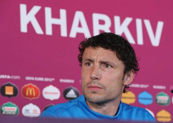 Mark van Bommel, aanvoerder tijdens het EK in Oekraïne, maakt plaats voor een nieuwe generatie spelers bij Oranje.