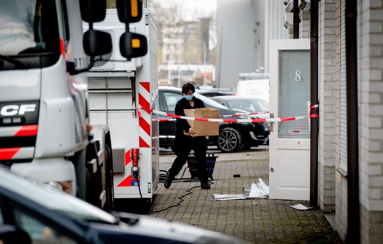 Inval van opsporingsdiensten bij party-verhuurbedrijf Party King, dat dienst deed als dekmantel voor een groot drugsnetwerk in de provincie Noord-Brabant.