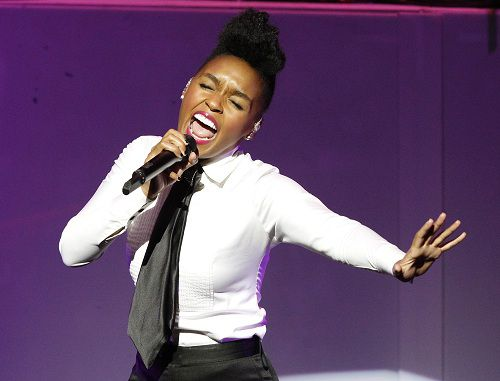Singer Janelle Monae performs at the Gibson Amphitheatre in Los Angeles June 14, 2011. REUTERS/Mario Anzuoni (UNITED STATES)
