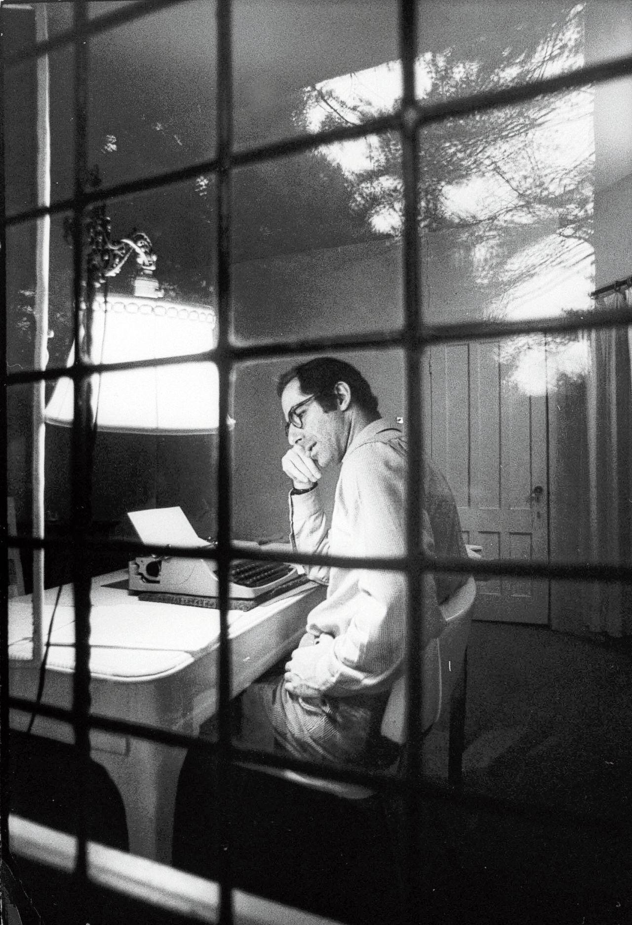 Philip Roth tijdens zijn verblijf in de artist's retreat Yaddo, in de Amerikaanse staat New York.