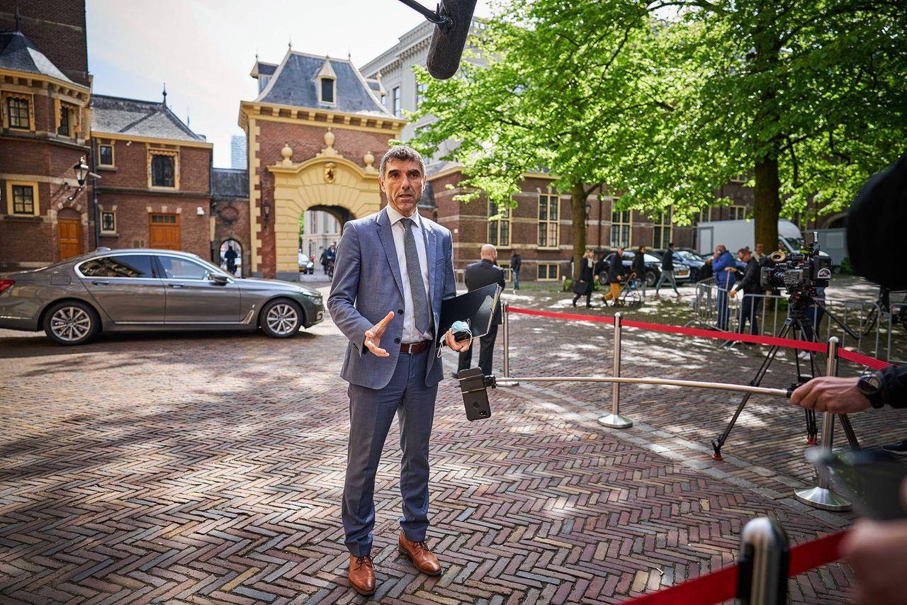 Staatssecretaris Paul Blokhuis van Volksgezondheid, Welzijn en Sport (ChristenUnie), eind mei bij het Binnenhof.