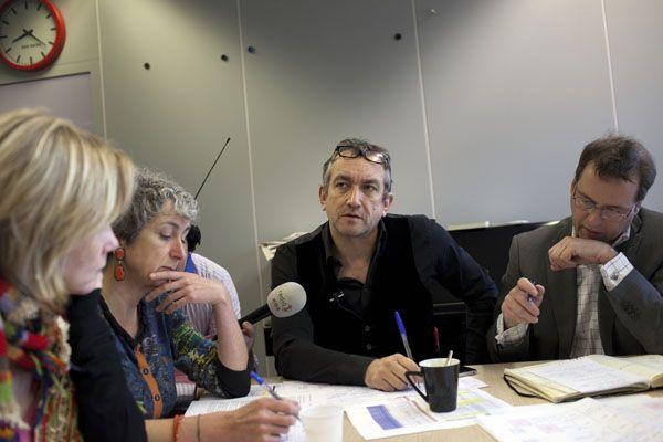 Photo: Dirk-Jan Visser / Rotterdam - Netherlands / 07-03-2011: NRC gaat over op tabloid, hier de ochtend vergadering