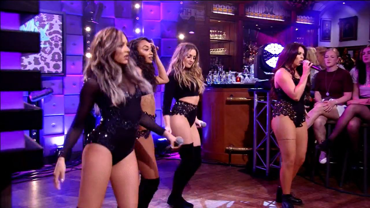 Meidengroep Little Mix in 'RTL Late Night'.