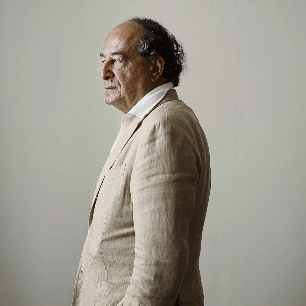 Roberto Calasso: 'Gide zei het ook, Baudelaire fluistert iets in je oor'
