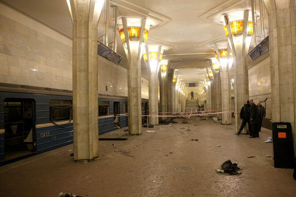 A picture taken on April 11, 2011 shows the metro station Oktyabrskaya shortly after the blast in the Belarussian capital Minsk. Belarus sought to identify the perpetrators behind the bombing on the Minsk metro that killed 12 and wounded 150, the first major apparent act of terror in its post-Soviet history. The explosion at a busy metro station in the heart of the Belarussian capital near the headquarters of President Alexander Lukashenko stunned a city which has never seen attacks like those suffered in neighbouring Russia. AFP PHOTO / POOL / ANDREI STASEVICH