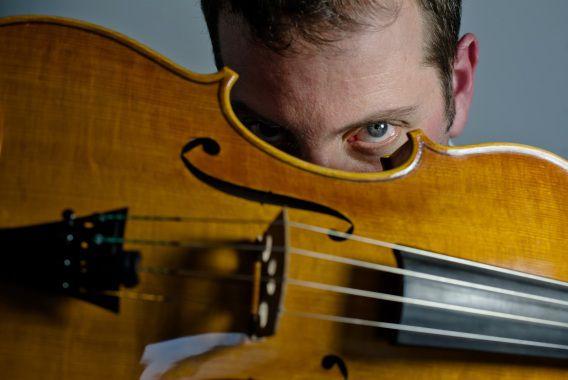 Nederland, Landsmeer, 01-03-2013. Portret van jazzviolist Oene van Geel. Foto: Andreas Terlaak
