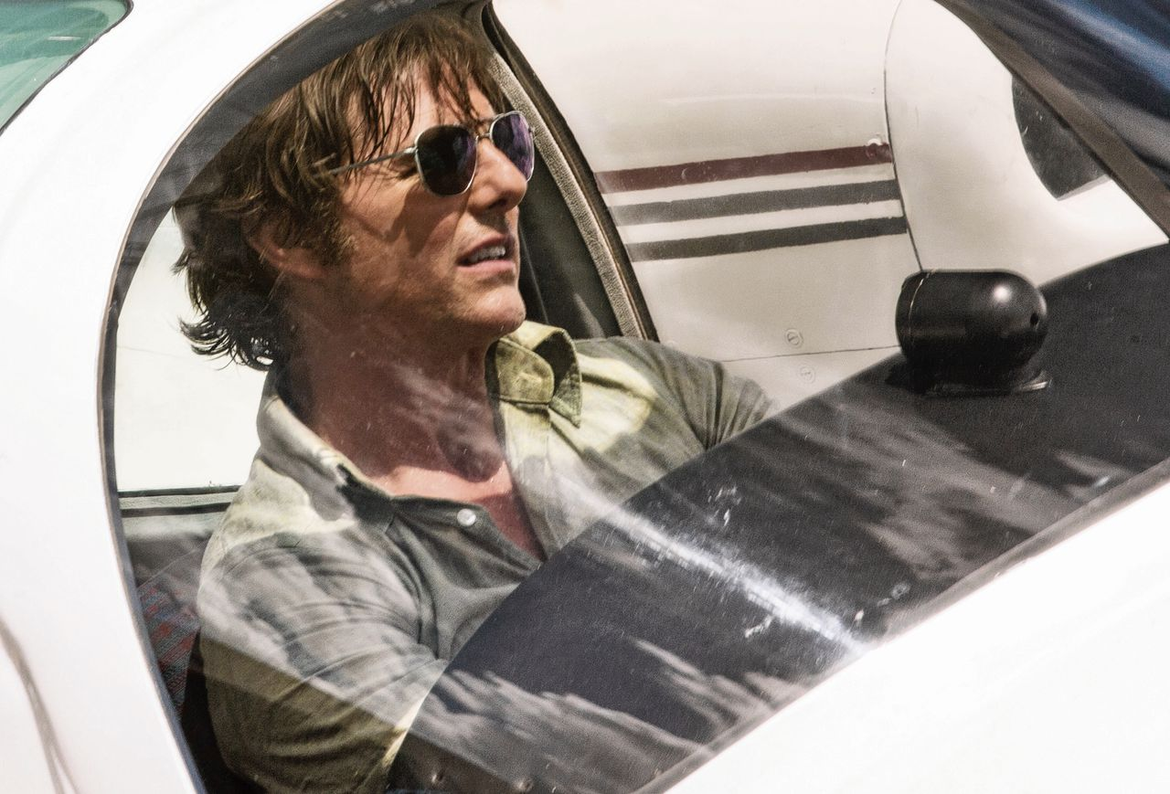 Tom Cruise als de charmante avonturier Barry Seal in American Made.