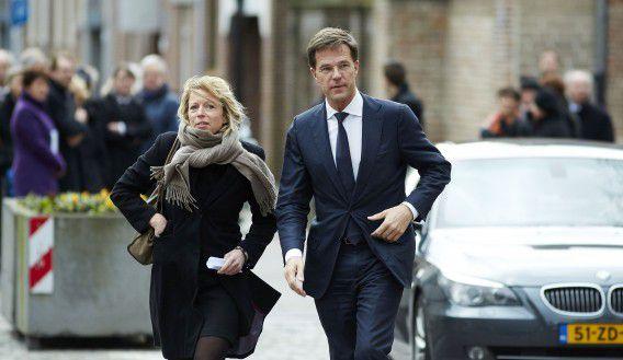 Premier Rutte gaat zijn 'rechterhand' moeten missen. Kajsa Ollongren, secretaris-generaal bij het ministerie van Algemene Zaken, gaat naar Amsterdam.