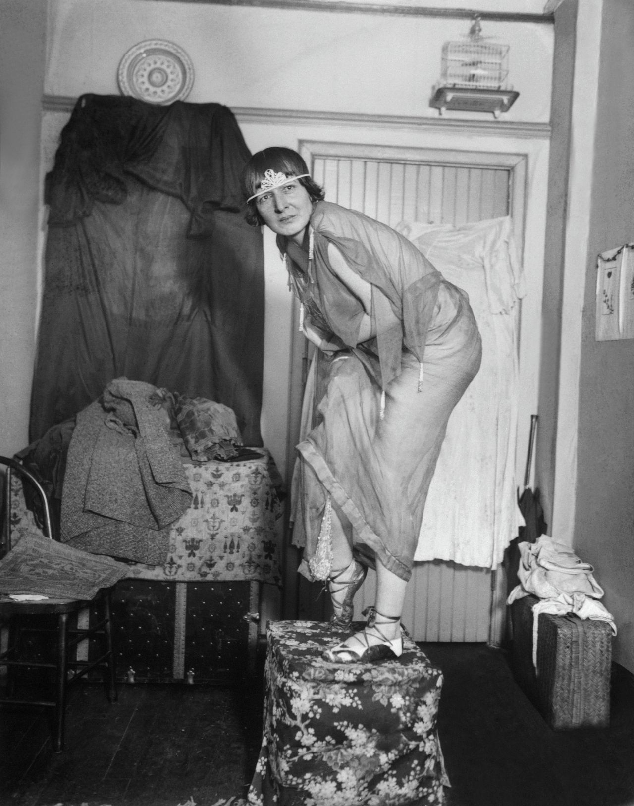 Elsa von Freytag-Loringhoven, Dada artist and Marcel Duchamp's friend, seen here posing as a model at the New York academy of art.