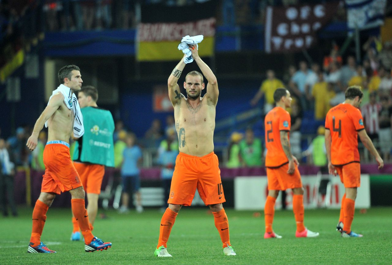 Dutch midfielder Wesley Sneijder reacts at the end of the Euro 2012 championships football match the Netherlands vs Germany on June 13, 2012 at the Metalist Stadium in Kharkiv. Germany won 2-1. AFP PHOTO/ GENYA SAVILOV