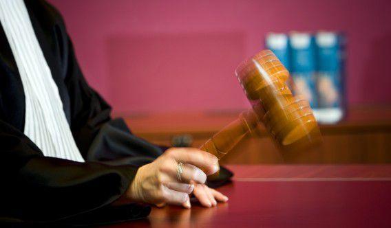 De stem van de verdachte in rechtszaken zal vanaf volgend jaar ook te horen zijn op tv en radio. Foto ANP / Lex van Lieshout