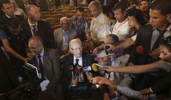 Beji Caid Essebsi, de voormalige Tunesische premier en leider van de Nida Touns partji, sprak vandaag met de media tijdens de Nationale Conferentie voor Dialoog.