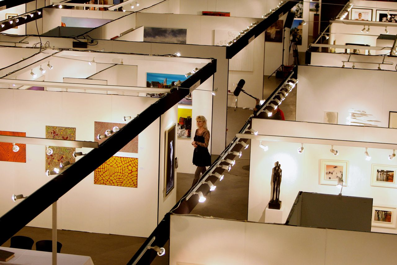 Op kunstbeurs Affordable Art Fair is kunst van ruim 65 (inter)nationale galeries te bezichtigen.