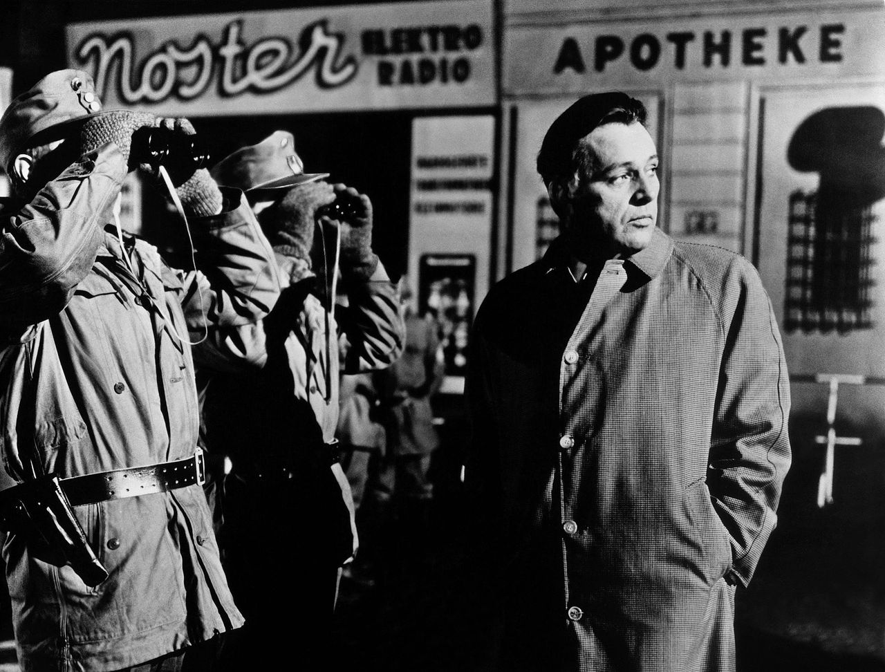 Richard Burton als Alec Leamas in 'The Spy Who Came In From the Cold'.