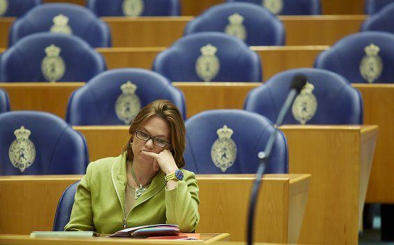 Kamerlid voor de PvdA Maij bij een debat over een Europese Top.