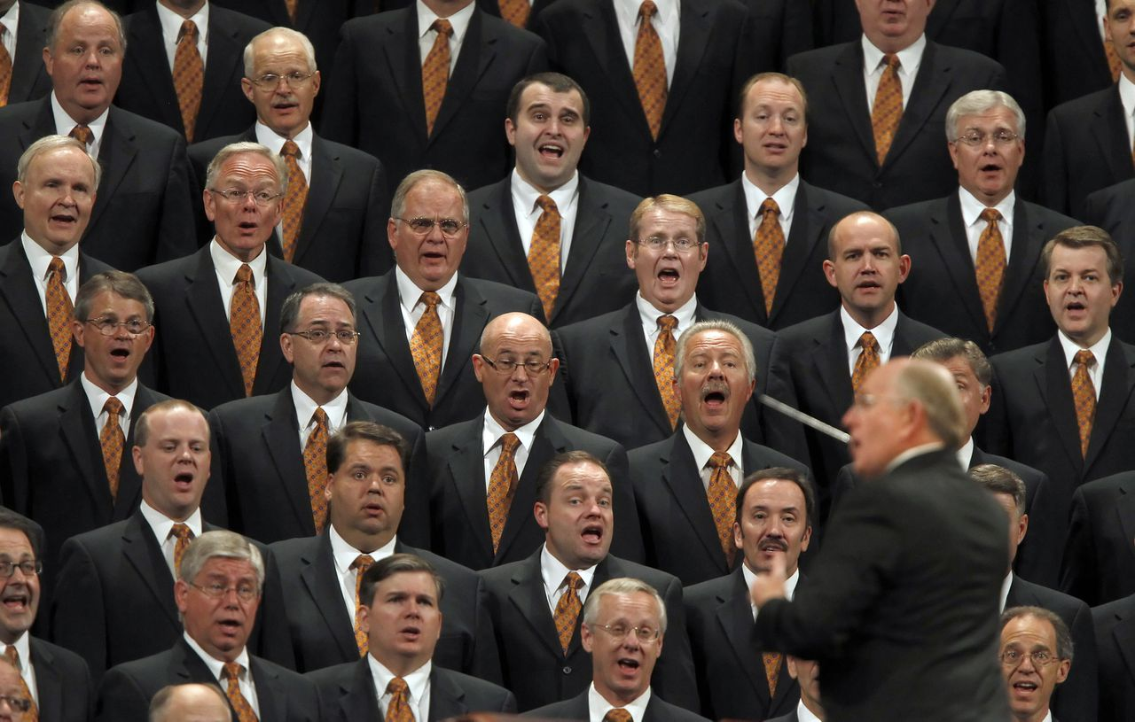 Director Mack Wilberg conducts the Mormon Tabernacle Choir as they sing at the first session of the 181st Semiannual General Conference of the Church of Jesus Christ of Latter-day Saints in Salt Lake City, Utah, U.S., on Saturday, Oct. 1, 2011. Mormons from around the world have gathered to listen to church leaders during the two-day conference. Photographer: George Frey/Bloomberg *** Local Caption *** Mack Wilberg