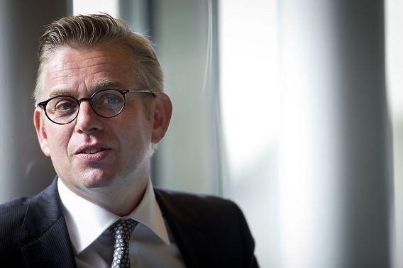 D66-Kamerlid Gerard Schouw wil van minister Plasterk weten of de NSA nog altijd spioneert in Nederland.