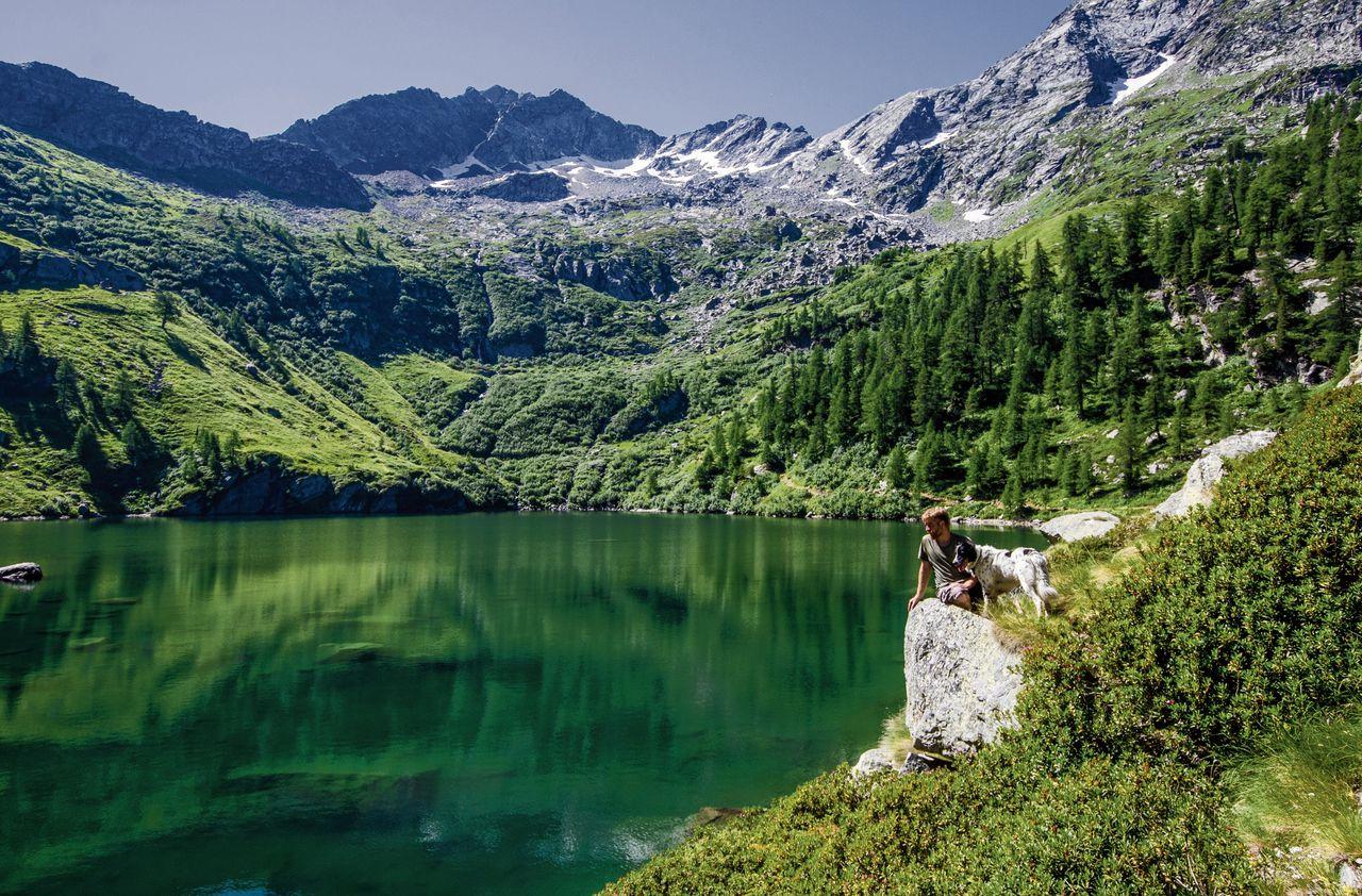 Schrijver Paolo Cognetti woont een deel van het jaar in de bergen in Noord-Italië.