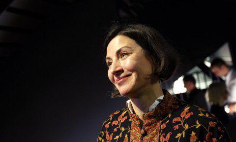 Donna Tartt afgelopen zondag in de Amsterdamse stadsschouwburg tijdens de boekpresentatie van 'Het puttertje'.