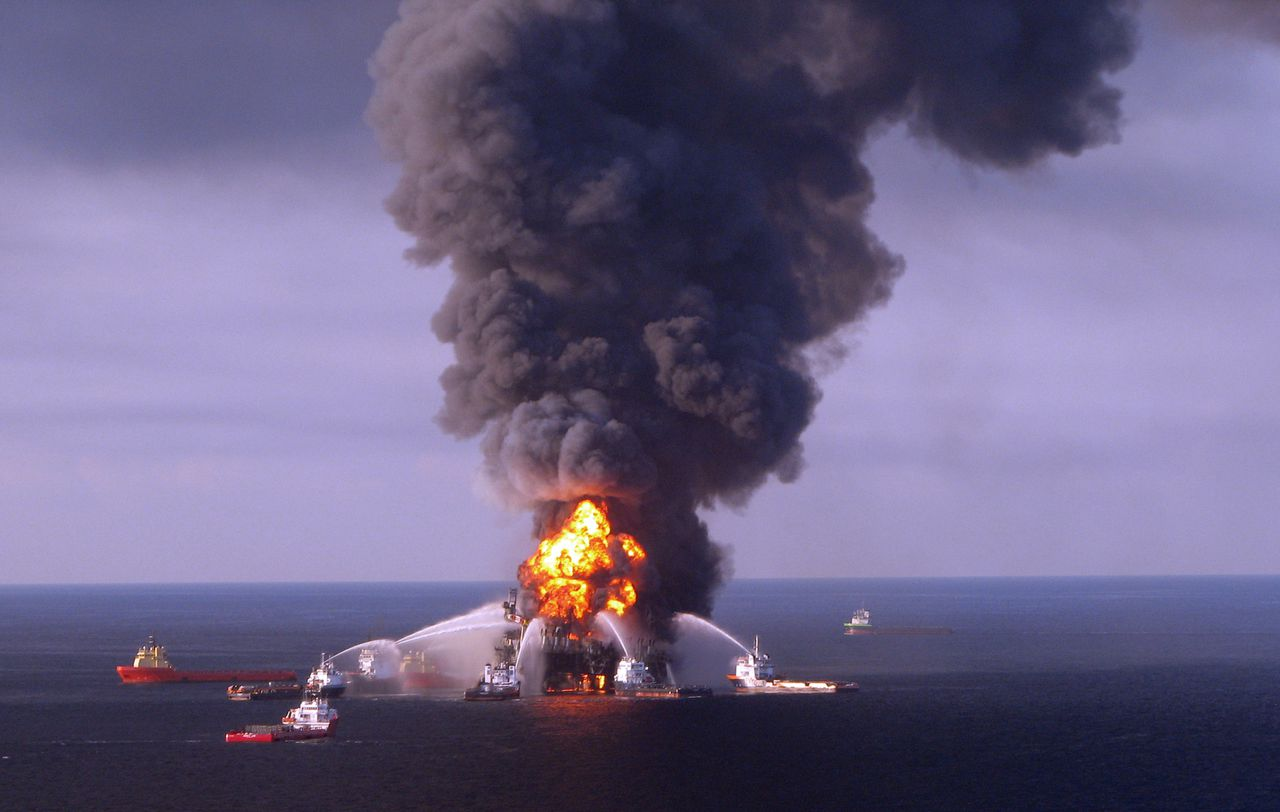 AFP PICTURE OF THE YEAR 2010 This US Coast Guard image released on April 22, 2010 shows fire boat response crews as they battle the blazing remnants of the off shore oil rig Deepwater Horizon April 21, 2010. A Coast Guard MH-65C dolphin rescue helicopter and crew documented the fire aboard the mobile offshore drilling unit Deepwater Horizon, while searching for survivors. The US Coast Guard confirmed April 22 that the oil rig has sunk. AFP PHOTO/US COAST GUARD/RESTRICTED TO EDITORIAL USE