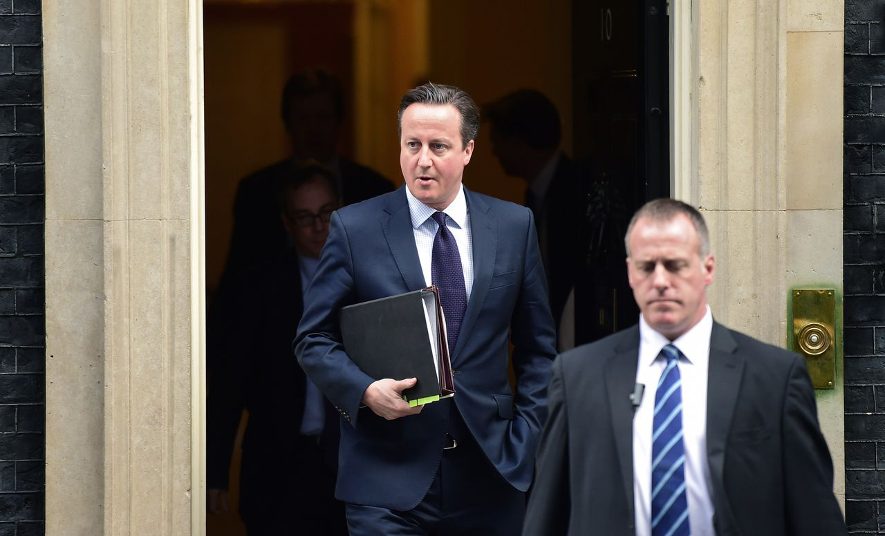 De Britse premier David Cameron (links).