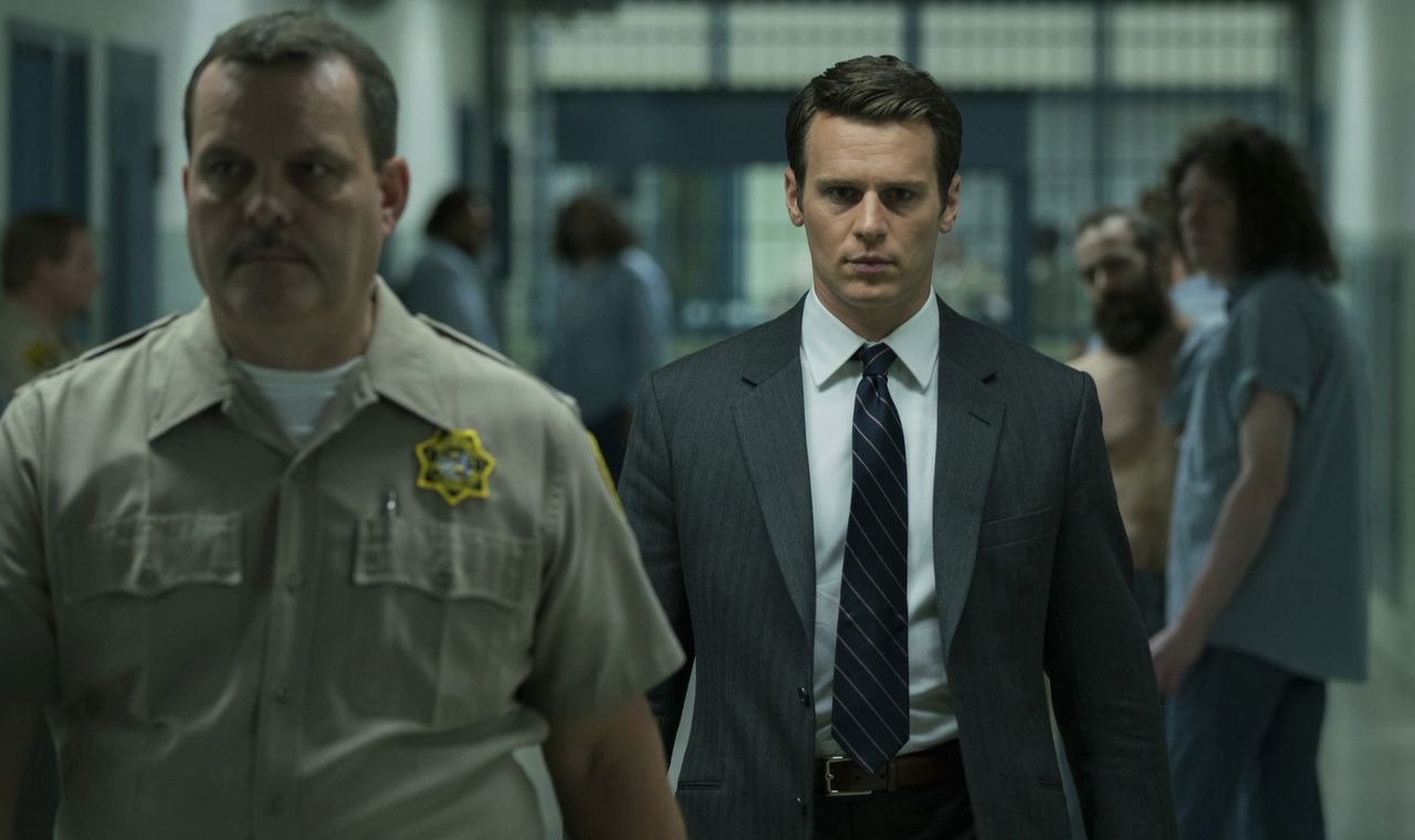 Jonathan Groff als FBI-agent Holden Ford in de duistere dramaserie Mindhunter.