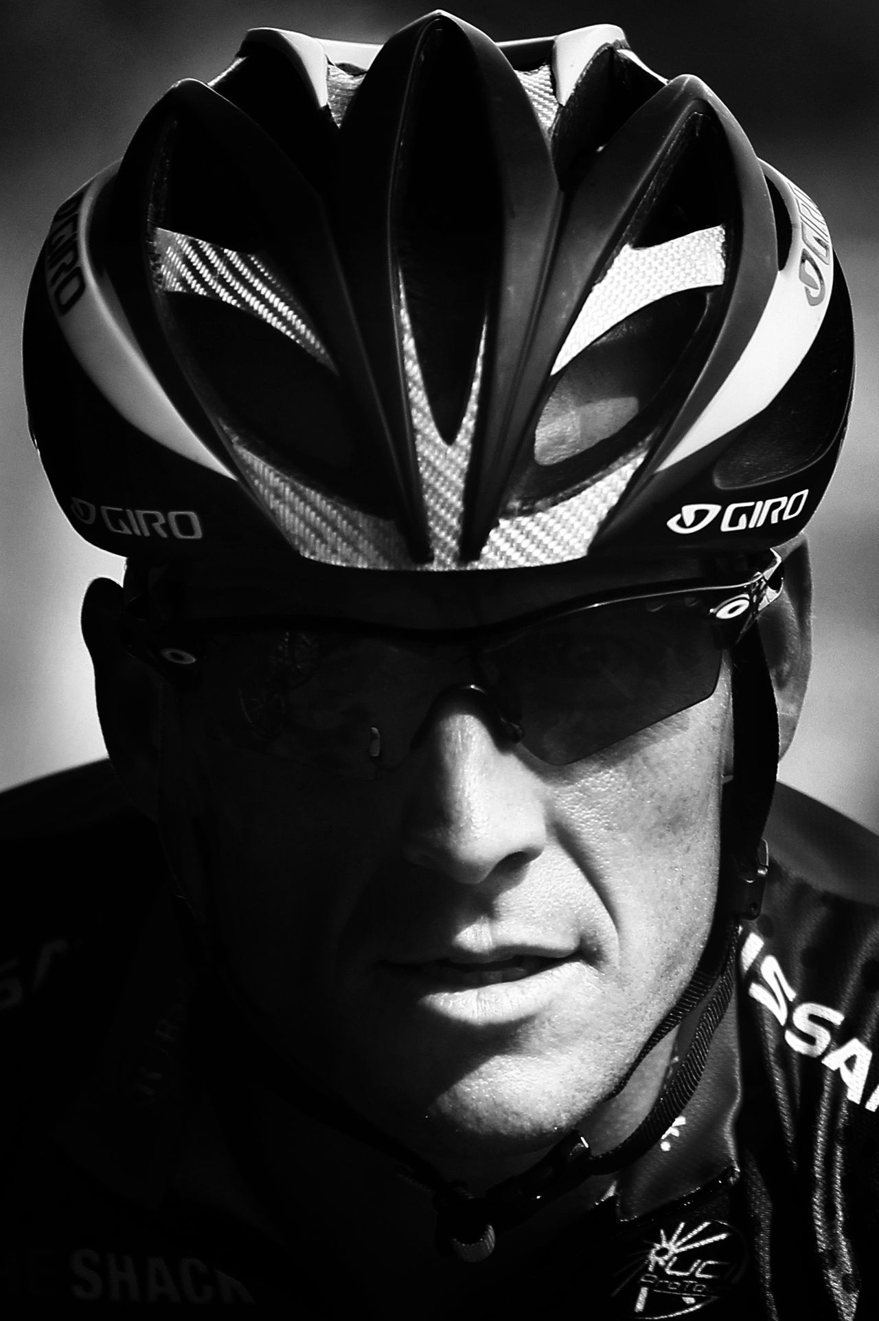 """(FILES) - A picture taken on July 1, 2010 in Ridderkerk, shows seven-time Tour de France winner, US Lance Armstrong pictured during a training session. Seven-time Tour de France champion Lance Armstrong confirmed on June 13, 2012 he is facing new doping allegations brought by the US Anti-Doping Agency that could result in the stripping of his titles. The Washington Post was among the media outlets reporting on June 13, 2012 that USADA had written to Armstrong saying blood samples taken from him in 2009 and 2010 -- when he came out of retirement -- were """"fully consistent with blood manipulation including EPO use and/or blood transfusions."""" AFP PHOTO / JOEL SAGET"""