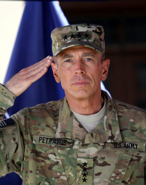 epa02830188 US General David Petraeus, the outgoing Commander of NATO's International Security Assistance Force (ISAF) attends a change of command ceremony in Kabul, Afghanistan on 18 July 2011. US General David Petraeus stepped down as the head of US and NATO-led soldiers in Afghanistan as the international troops start to transfer security responsibility to Afghan forces. General David Petreaus will retire from the military later this summer and become director of the Central Intelligence Agency. EPA/S. SABAWOON