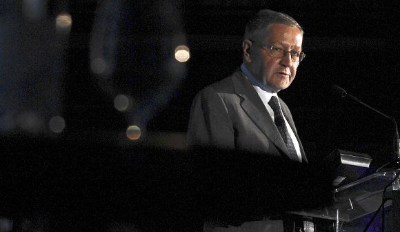 Caption: German Klaus Regling, CEO of the European Financial Stability Facility speaks during a conference in Lisbon on October 13, 2011. AFP PHOTO/ LUIS MANUEL NEVES