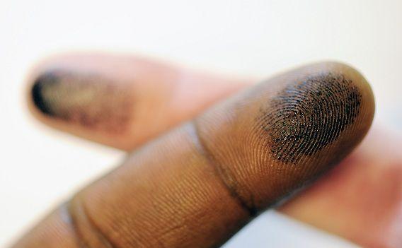De centrale opslag van vingerafdrukken is in strijd met het recht op privacy van burgers, zo oordeelde het Hof vandaag.